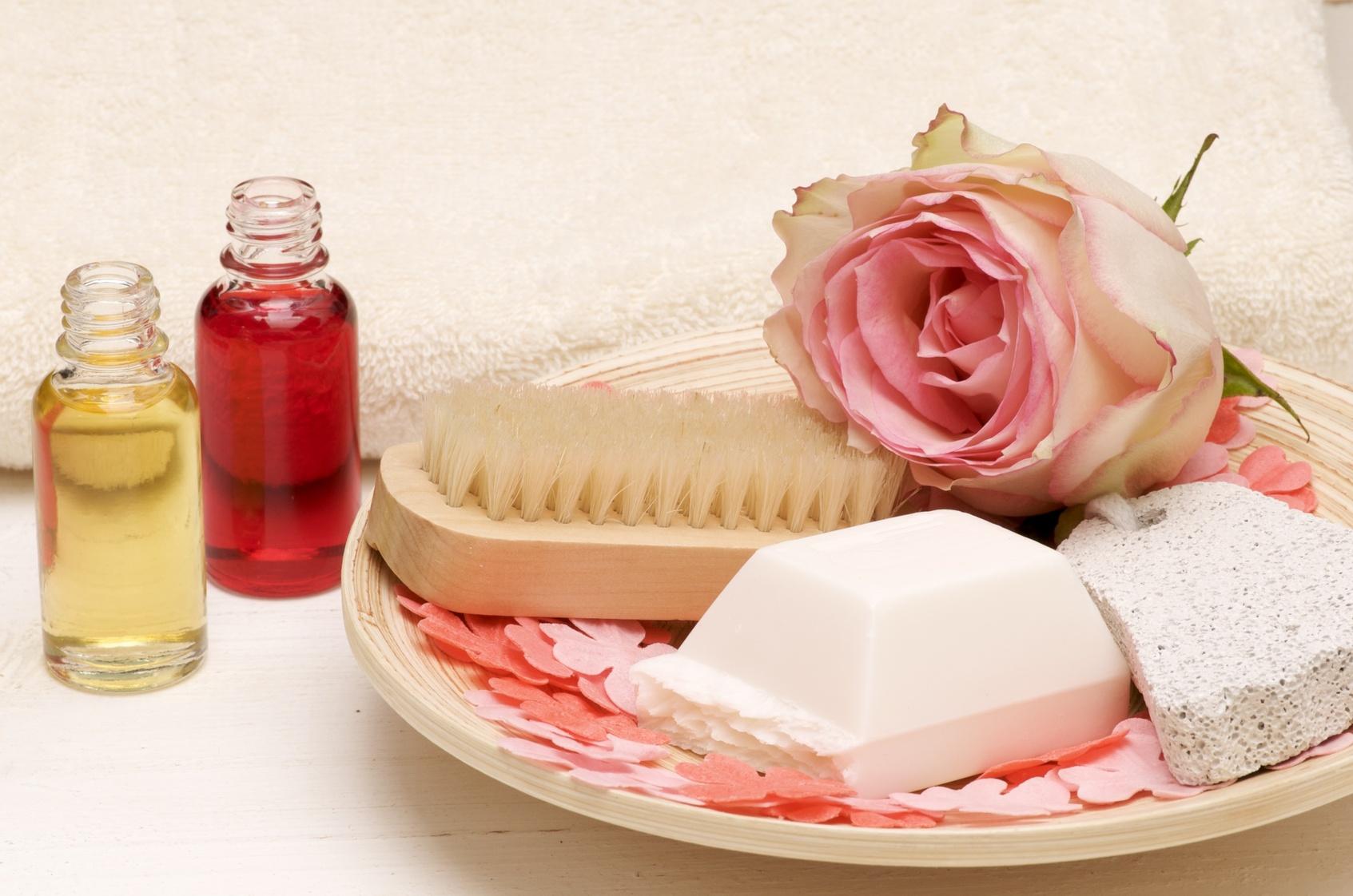 http://www.aromatherapie-huiles-essentielles.com/wp-content/uploads/2008/11/aromatherapie_cosmetique1.jpg